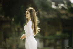 CHOW3446 (Call me CHOW) Tags: happy dress beauty blond female long hair carefree young women wavy fashion model beautiful people portrait ao dai aodai girl hanoi vietnam sunny yearbook smilling smile sunset lookbook pretty posing face