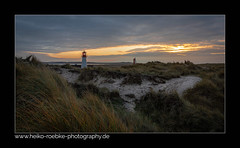 Ort der Ruhe / place of tranquillity (Heiko Röbke) Tags: canon1635mmf28lisiii de deutschland landscape sunset nature sonnenuntergang germany lighthousethursday panorama natur sylt goldenhour canon5dmkiv leuchtturm beach sky architektur strand goldenestunde landschaft color architecture lighthouse lila 2019 lightroom insel
