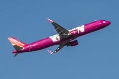 VietJet Air Airbus A321-211; HS-VKM@BKK;05.12.2019 (Aero Icarus) Tags: bangkoksuvarnabhumiairport bkk bangkok thailand plane avion aircraft flugzeug