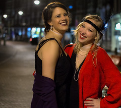 Two girls of The Hague (zilverbat.) Tags: denhaag girls portrait portraits pin bokeh visit centrum thehague peopleinthecity portretfotografie zilverbat people urban canon photography dof duo citylife bild portret urbanlife peopleinthestreet urbanvibes lutherseburgwal dutchholland haags haagsegezichten pinup cover friends