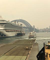 5.12.2019 Sydney Smoke: Circular Quay 4.08pm (dominotic) Tags: 2019 bushfiresmoke eeriesmokyglow badairquality smoke innersydney sydneyharbour sydneyharbourbridge cruiseship ferry sydney nsw australia