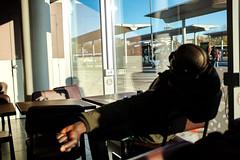Sleeping (Roberto Spagnoli) Tags: sleep fotografiadistrada streetphotography colorstreet people bar everydaylife hand dormire