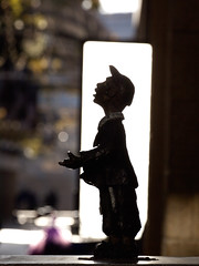 Light as Background at Mamilla Mall-2 (zeevveez) Tags: זאבברקן zeevveez zeevbarkan canon sculpture mamilla light background