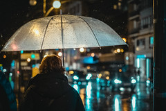 . (ks.bellevue) Tags: streetphoto umbrella rainyday rain nightphotography streetphotography
