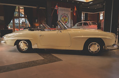 Mercedes Benz 190SL 1968 (Miguel Ángel Prieto Ciudad) Tags: sports car transportation convertible design side view travel indoors speed luxury germany auto motor automotive chanoe white mercedesbenz automobile classic sonyalpha alpha3000 mirrorless emount mercedes dark collection restoration