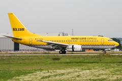 D-AGEQ (PlanePixNase) Tags: eddl dus dusseldorf düsseldorf airport aircraft planespotting lohhausen boeing 737 hlx hapaglloyd express 737700 b737
