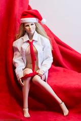 2019 Phicen/TBLeague Advent Calendar Day 5 - Red on Red (edwicks_toybox) Tags: 16scale manmodel tbleague blonde femaleactionfigure fireredrose magiccube necktie panty phicen poptoys santahat shirt