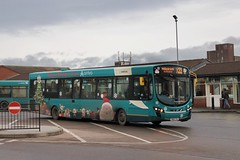 Arriva 1463 / NK61 CXU (TEN6083 (kieron mathews)) Tags: transport buses publictransport bus nebuses vdl peterlee christmasbus wrightbus 1463 sb200 arrivanortheast pulsar2 peterleebusstation nk61cxu arriva