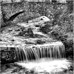 PC042145 (Francesco2019 Photo) Tags: acqua torrente cascata ponte olympus omd10 panasonicg25mmf17 altocontrasto biancoenero