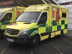 LAS | 8157 | LX15AJY (gage 75) Tags: lx15ajy poppies las ambulance nhs
