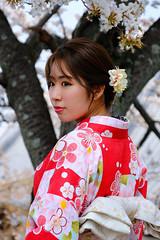 A moment in time (ej - light spectrum) Tags: japan sakura lady kimono kyoto portrait porträt fujifilm xt2 cherryblossom
