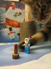 Have Axe Will Travellllllllllll (Paranoid from suffolk) Tags: 2019 lego city advent day5 mallet minifig minifigure cat feline storm