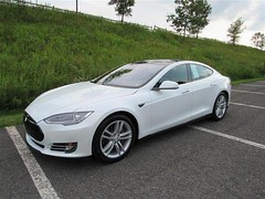 2015 Tesla Model S (CARSHOPPER.COM) Tags: tesla hybrid cars carshopping usedcars luxurycars safecars whitecars