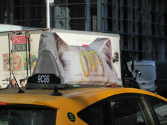 2019 CATS Movie Musical Ad on top of Taxi Cab 1335 (Brechtbug) Tags: 2019 cats scalp riding top taxi cab movie musical broadway billboard kinda look like mutants new york city 12052019 nyc action andrew lloyd webber 80s winter garden theater show portrait poster standee theaters 7th ave 41st street above times square