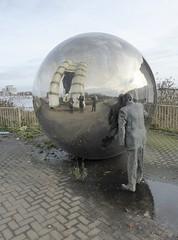 Cardiff Bay (Christopher West) Tags: baecaerdydd cardiffbay cardiff sculpture caerdydd
