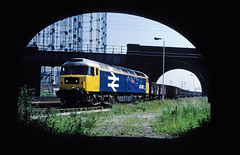 Having nipped out from work for lunch....this was my reward......47457 (D1577) Ben Line shunts 16T mineral wagons Washwood Heath 05-07-1987 (the.chair) Tags: 47457 d1577 ben line shunting 16t mineral wagons washwood heath july 1987
