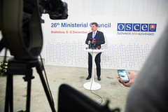End-of-day-1 press conference (Organization for Security & Co-operation in Europe) Tags: green