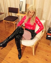 Just seen a client who insisted I wear PVC for the session even though it was as a escort. So this is how I dressed for him. He took the pic BTW and no I'm not happy as had people mess me about most of today (Miss Nina Jay) Tags: pvc boots fishnets body