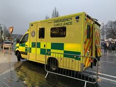 HSE / NAS Mercedes Sprinter Ambulance - Eyre Square, Galway - December 2019 (firehouse.ie) Tags: ireland galway mercedes benz eire ambulance vehicle emergency ambulances sprinter galwaycity eyresquare ems hse nas ambulancia ambulanz ambulanza ambulans krankenwagen ambulansa