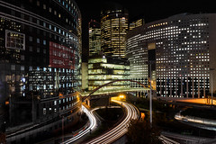 Japan Bridge (LouMaxx) Tags: paris nuit pose longue long exposure light modern architecture building defense
