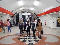 Liverpool St Esc 789 19-07-04 (78) (Funny Cyclist) Tags: london underground tube station rail train
