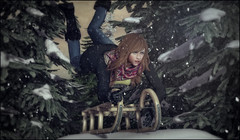 *I just wanted to have a normal fun sledge ride....well that kind of backfired...* ❤️ (Ⓐⓝⓖⓔⓛ (Angeleyes Roxley)) Tags: samposes sledge snow heap sl secondlife single bento darkness event mainstore
