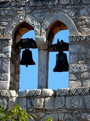 """Keep looking up...that's the secret of life"" (fl_mala) Tags: church bells greece traveltogreece discovergreece greecelovers ilovegreece areopolivillage peloponnese lakonia wonderfulworld beautifulcolours"