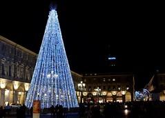 Il cielo su Torino sembra muoversi al tuo fianco 🎶🎵 (VauGio) Tags: notte night piazzasancarlo torino turin piedmont piemonte fuji xf10 scuro ilcielosutorino subsonica lacittàmetropolitanaditorinovistadavoi