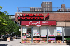 Twin Donut Plus Carvel (jschumacher) Tags: nyc bronx thebronx westfarms twindonut