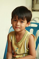 handsome boy (the foreign photographer - ฝรั่งถ่) Tags: handsome boy child our house bangkhen bangkok thailand canon porch