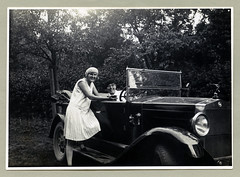 "Fiat 509 Torpedo (Vintage Cars & People) Tags: vintage classic black white ""blackwhite"" sw photo foto photography automobile car cars motor 1920s 20s twenties fiat fiat509 torpedo opentourer hoodornament motormascot dress beret lady flapper man fellow chap couple trip roadtrip travel"