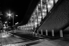 After the rush hour (Graham Bowley) Tags: night architecture berkshire monochrome station reading