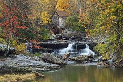Glade Creek Grist Mill, Babcock State Park (Malcolm Benn) Tags: 2019 october westvirginia usa fall autumn waterfall fallcolours canon 5dmiv 70200mm mgbenn malcolmbenn explore