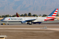 American Airlines | Boeing 757-200 | N197AN | Las Vegas McCarran (Dennis HKG) Tags: aircraft airplane airport plane planespotting oneworld canon 7d 100400 lasvegas mccarran klas las american americanairlines aal aa usa boeing 757 757200 boeing757 boeing757200 n197an