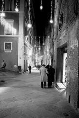 Le vie del Natale (michele.palombi) Tags: darkroom vecchiaia 800asa film35mm analogicshot siena natale