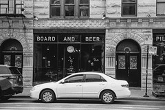 W 18th Street, Pilsen, Chicago. 2019/172 (Postcards from San Francisco) Tags: m6 trix rodinal carlzeissjenatsonnar50mmf1 film analog pilsen chicago