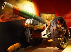Canadian War Museum - Musée Canadien de la Guerre (Kasia/flickr) Tags: ottawa ontario canada canadianwarmuseum muséecanadiendelaguerre warmuseum war guerre musée howitzer museum