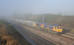 66-767-6V84-Heamies-Farm-Norton-Bridge-4-12-2019 (D1021) Tags: shed class66 66780 6s94 gbrf cement heamiesfarm nortonbridge staffordshire nikond700 d700 fog pole poleshot