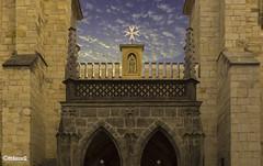VIRGENCITA, PRAGA (`[^O] Manuel Cañete´) Tags: cruz malta puertas cielo virgen praga iglesia ermita nubes