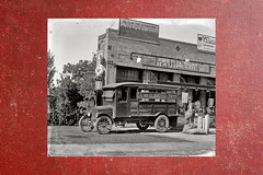V_3151 (C&C52) Tags: paysageurbain magasin camion personne vintageshot collector