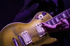 Les Paul Gold Top #Explore 7th December 2019 (Chris Galvin Photography) Tags: lespaul goldtop mattpearce humbucker guitar guitarist rockphotography livemusic gibson guitars