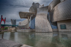 Guggenheim Museum Bilbao Spain (Only photoshoot, don't be afraid) Tags: guggenheim contemporyarchitecture architecture bilbao barquecountry spain museum art nikon