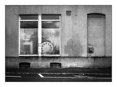 Die Stadt 388 (sw188) Tags: deutschland nrw ruhrgebiet westfalen dortmund lanstrop blackandwhite bw sw stadtlandschaft street