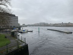 River Shannon - Limerick City - Ireland (firehouse.ie) Tags: waterway waterscape water ireland limerickcity limerick rivershannon rivers river