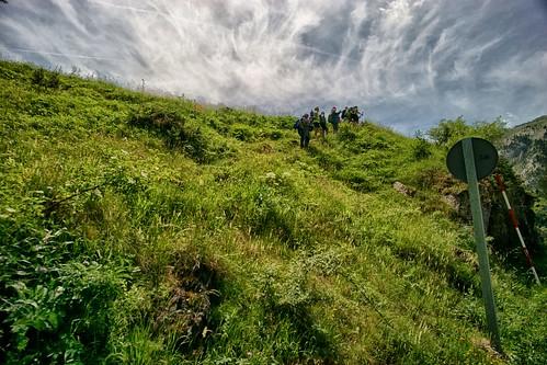 Seguimos de excursion                       We continue hiking