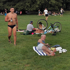 central park (maximorgana) Tags: centralpark ny nyc grass lawn people