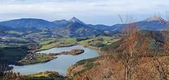 Urkulu Amboto eta Udalaitz (eitb.eus) Tags: eitbcom 23850 g157562 tiemponaturaleza tiempon2019 paisajes gipuzkoa oñati gurutzeazcarate
