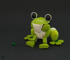 Companion? (Tino Poutiainen) Tags: lego moc animal plastic infinity secret santa christmas character frog model gift legomoc legography bionicle