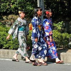Yukata time (magellano) Tags: giappone japan yukata ragazza girl candid strada street vestito tradizionale traditional dress