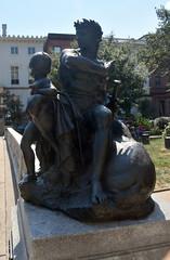 War (T's PL) Tags: nikontamron tamronnikon tamron18400diiivchldmodelb028 tamron18400 tamron18400mmf3563diiivchld baltimoremaryland baltimoremd d7200 maryland nikon nikond7200 tamron va virginia war art artwork statue warstatue